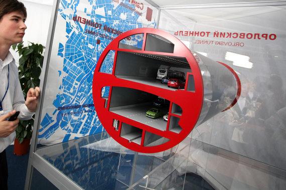Концессионное соглашение с НКК о строительстве Орловского тоннеля было заключено в 2010 г.