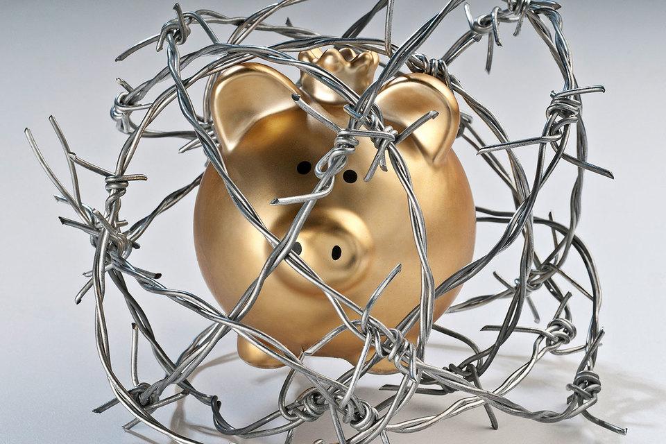 Некоторые смогли забрать деньги из проблемного банка