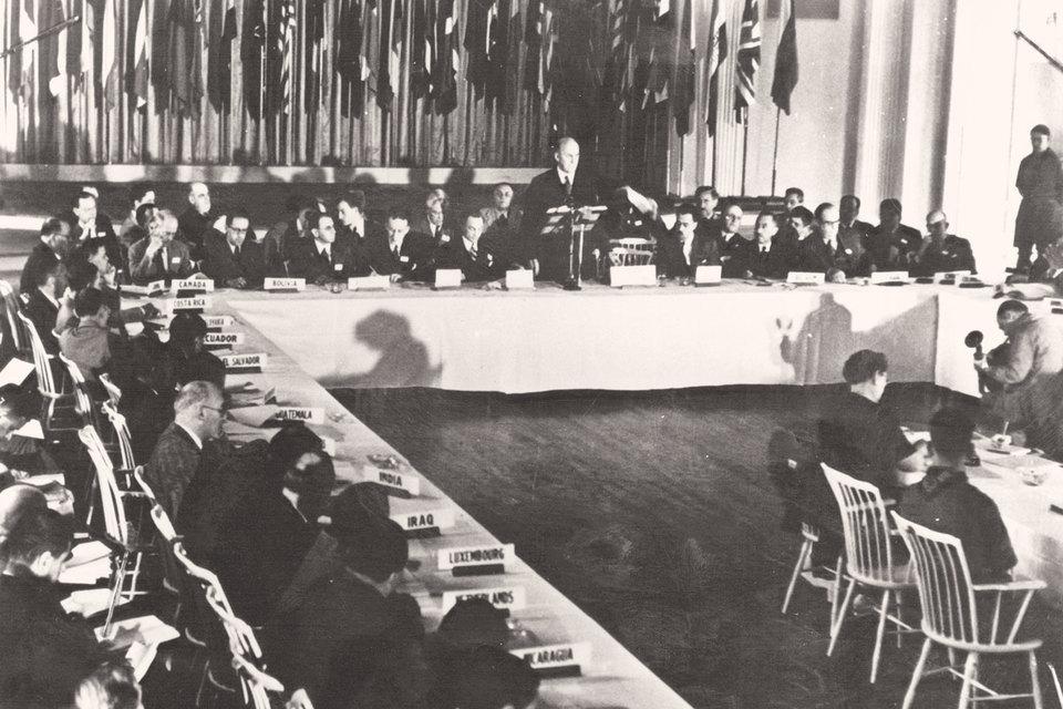 Контроль над движением капитала был ключевым элементом бреттон-вудской системы, о которой объединенные нации договорились в 1944 г. и которая просуществовала до начала 1970-х