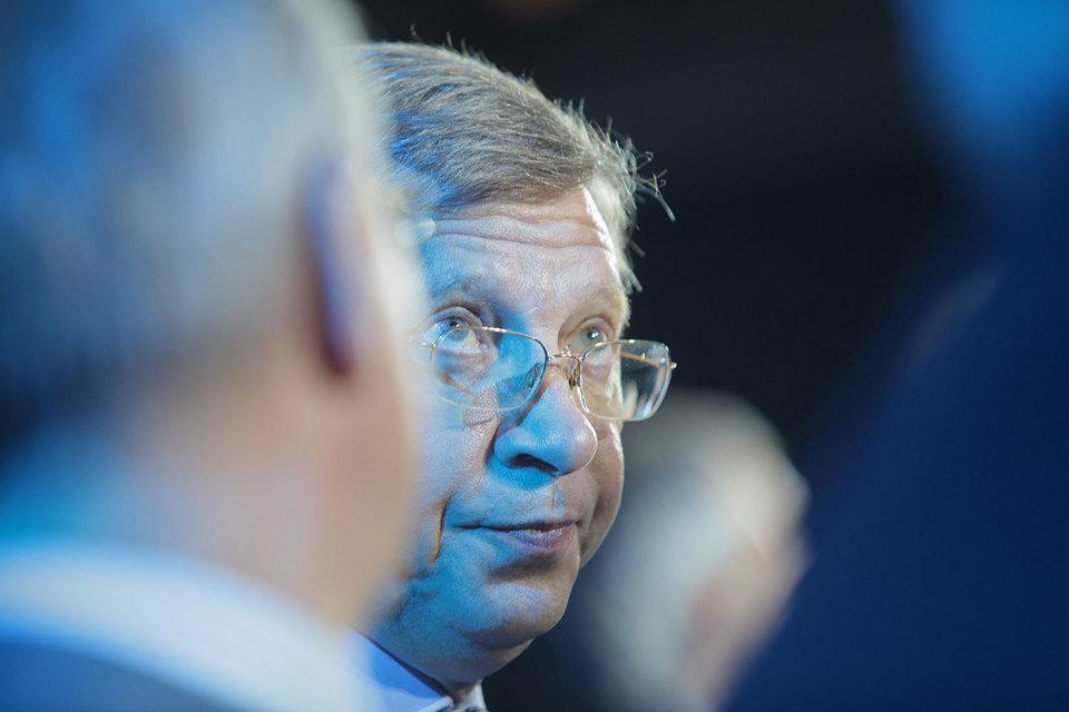 Евтушенков, по словам его знакомых, жаловался, что ему все время не везло с руководителями медиабизнеса