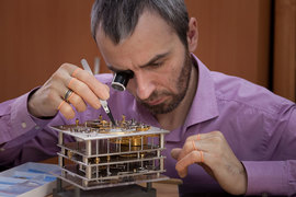 На создание часов «Северная Пасхалия» Константину Чайкину потребовалось около 10 000 часов