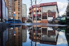 8 декабря правительство Москвы приняло постановление о сносе 104 строений, расположенных по всему городу вблизи вестибюлей станций метро