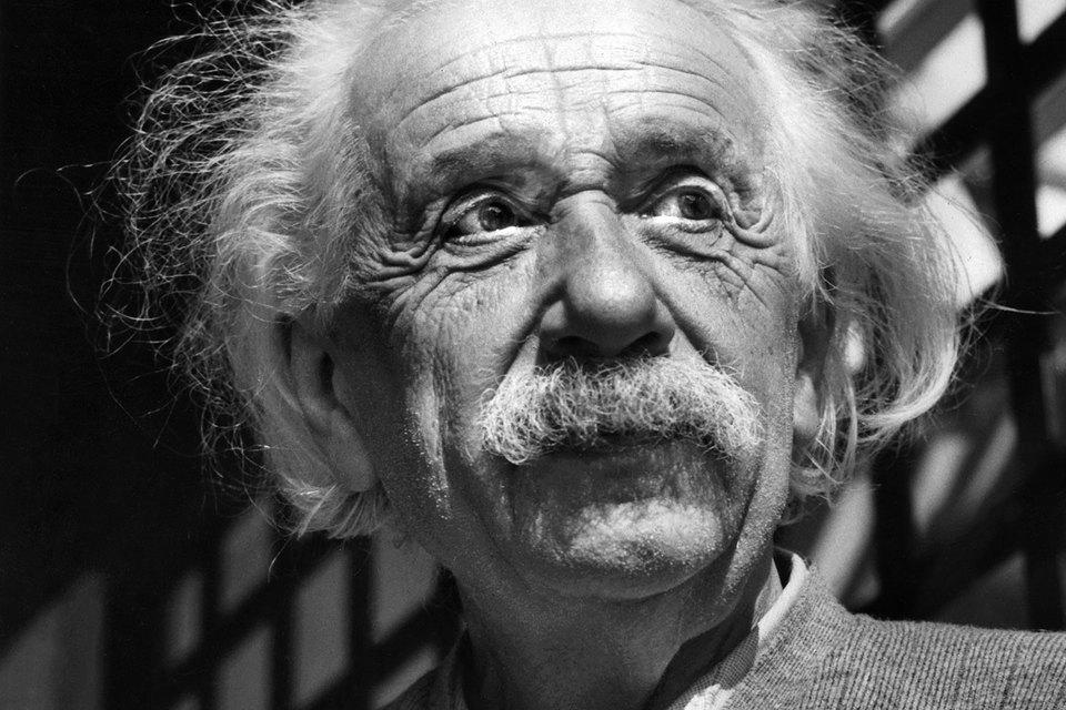 Группа ученых, работавших на гравитационных детекторах LIGO, после тщательной проверки экспериментальных данных сегодня объявила об обнаружении гравитационных волн, предсказанных общей теорией относительности Эйнштейна