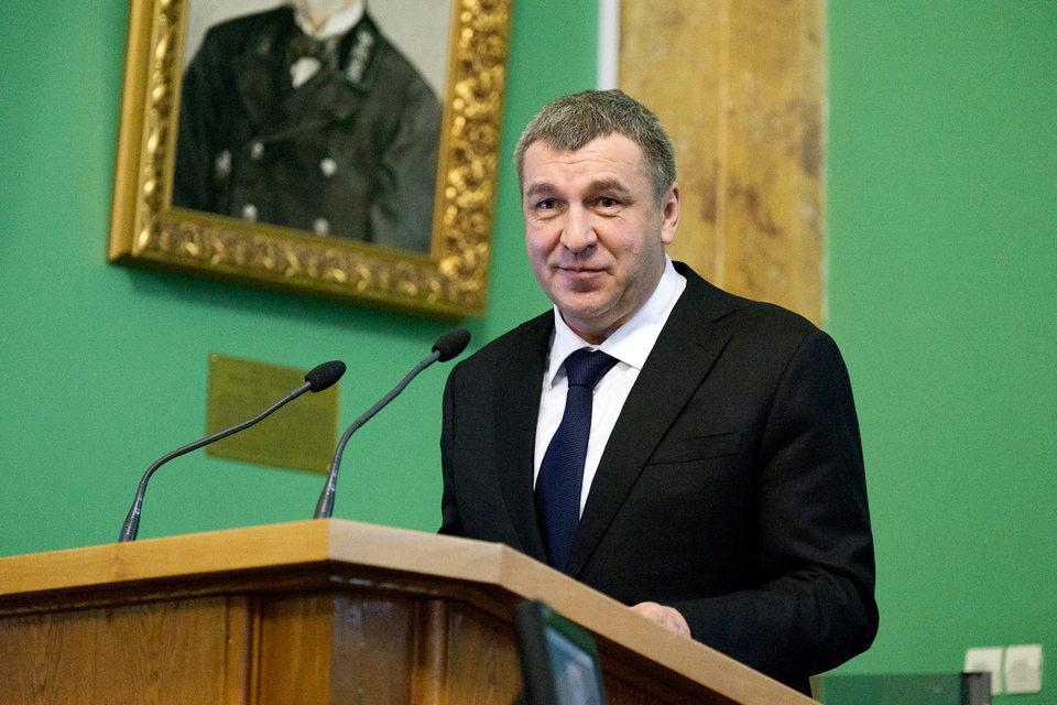 Вчера вице-губернатор Петербурга Игорь Албин (на фото) провел встречу с представителями строительных компаний Петербурга