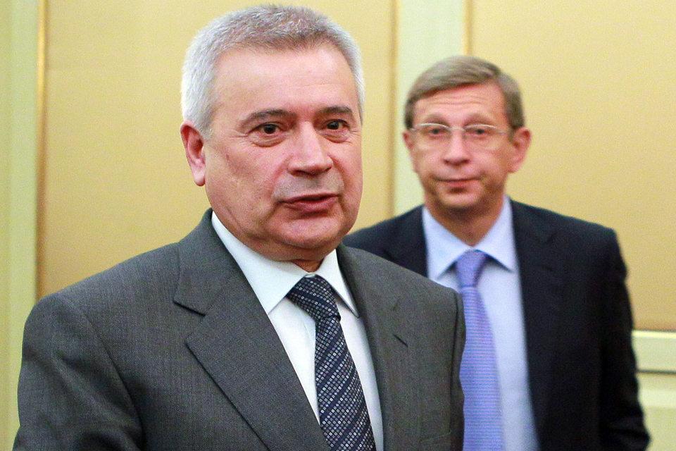 Президент «Лукойла» Вагит Алекперов (на первом плане) готов купить то, что раньше принадлежало Владимиру Евтушенкову