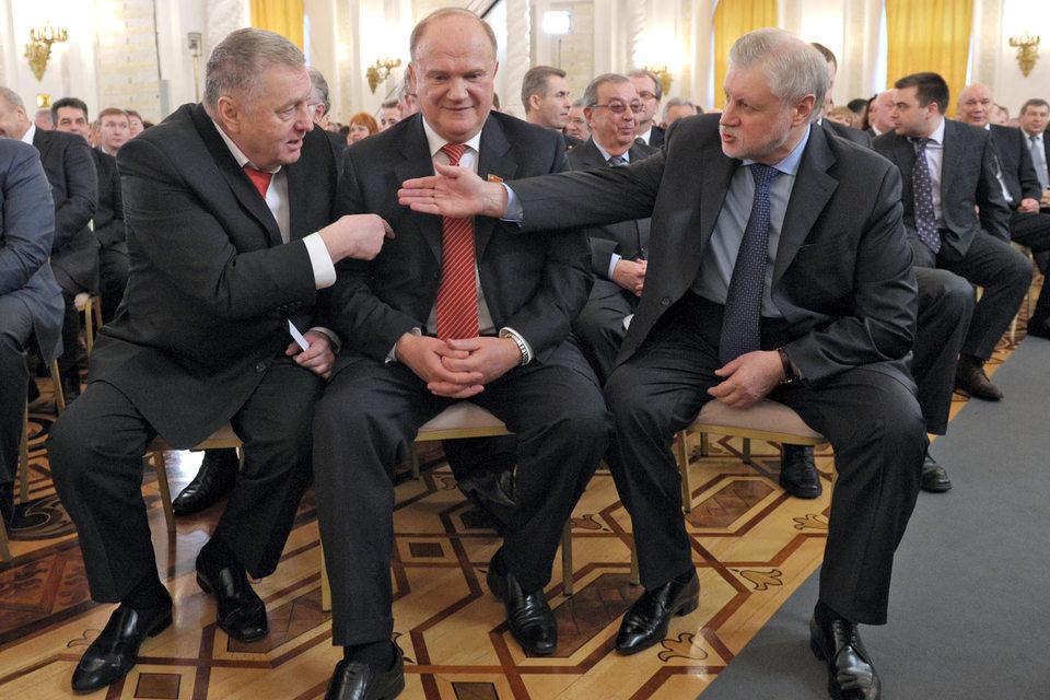 Владимир Жириновский, Геннадий Зюганов и Сергей Миронов (слева направо) готовы обсудить с единороссами вопрос о взаимовыгодном сотрудничестве в одномандатных округах
