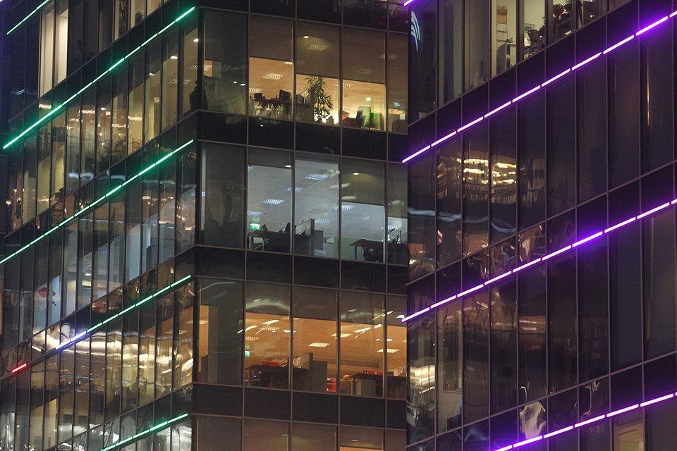 Сотрудники российских компаний стали меньше звонить по офисным телефонам