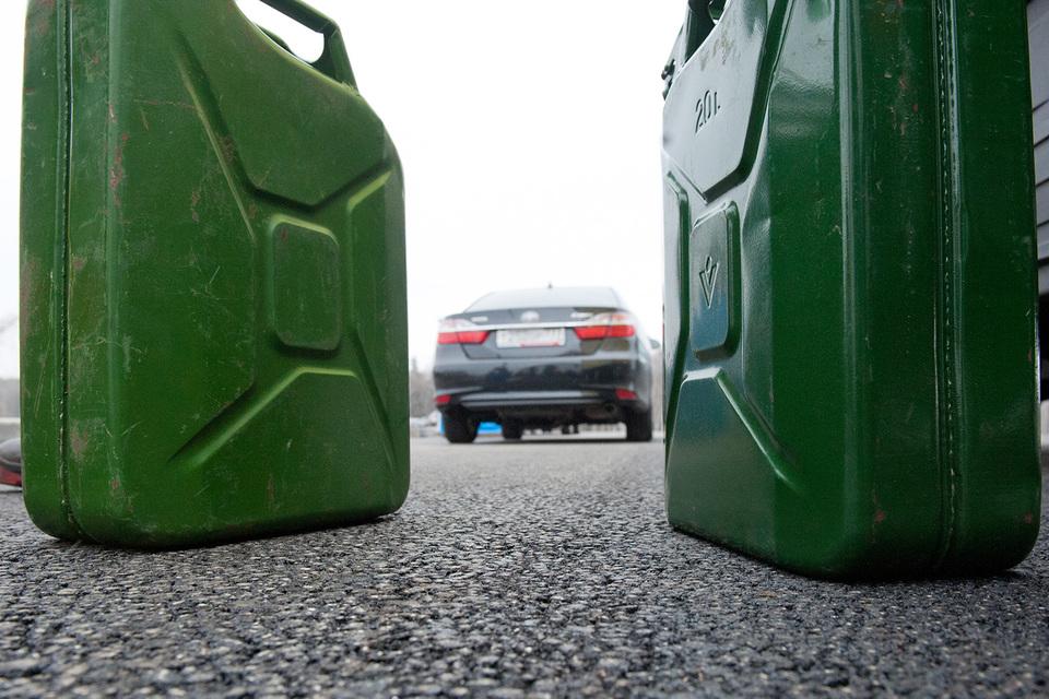 Бензин подорожает в пределах 7%, полагает Минфин