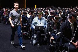 Основатель Facebook Марк Цукерберг считает, что виртуальная реальность изменит мир