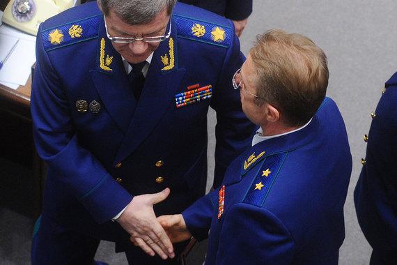 Замгенпрокурора Геннадий Лопатин (на фото справа) не имел отношения к кущевскому делу, сообщили в надзорном ведомстве