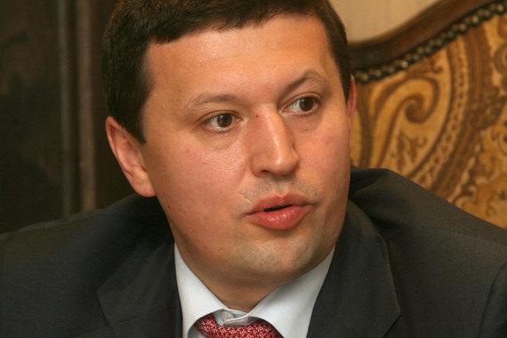 Арестованный на этой неделе бывший топ-менеджер ВЭБа Ильгиз Валитов обвиняется в том, что заставил владельца «Евродона» отдать 40% компании в обмен на кредиты госбанка