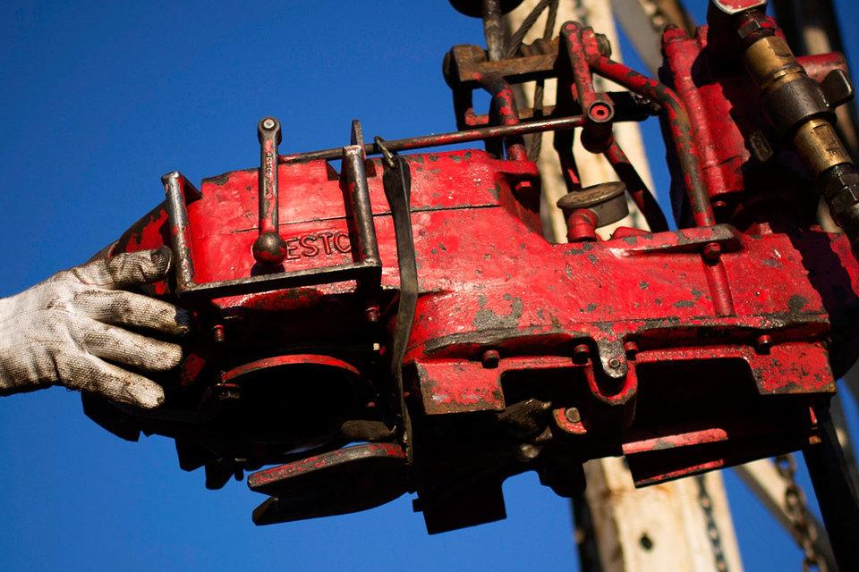 Рост цен на нефть на 50% с минимумов начала года может затормозить процесс сокращения ее добычи