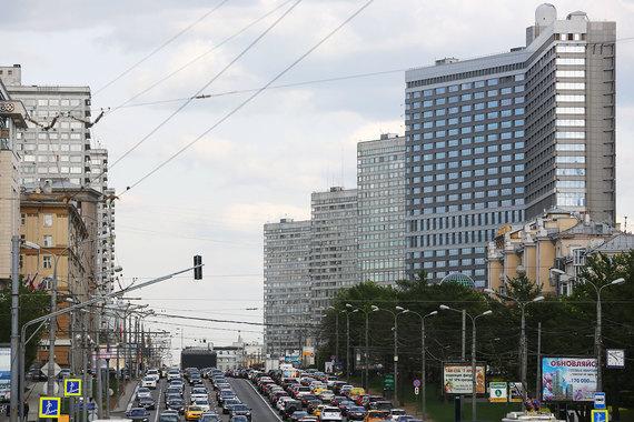 Как сказано в сообщении, заявку подала компания «Апарт груп». Этой компании предложено заключить договор купли-продажи по стартовой цене - 2,4 млрд руб.