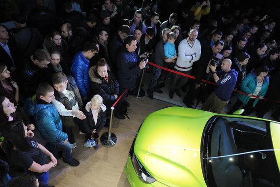 «АвтоВАЗ» хочет создать запас автомобилей Lada Vesta и почти вдвое увеличил их выпуск