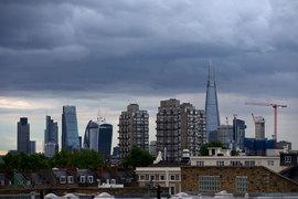 Количество покупателей и продавцов на рынке жилья в Лондоне сокращается