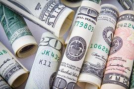 Крупнейшим получателем стали США, куда было вложено $21,6 с каждых $100 глобальных ПИИ; за год приток инвестиций в США вырос в 3,5 раза