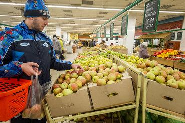 Поправки в закон фактически отменяют некоторые действующие нормы по свободной экономической зоне в Крыму, добавил Цеков
