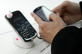 Продажи смартфонов Huawei в России за год выросли почти на порядок.
