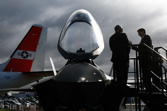 Остекление кабины F-35 беспереплетное, летчик имеет исключительный обзор