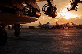 Сейчас ведутся переговоры о территориях, которые российские летчики смогут бомбить только с предварительного согласия Вашингтона, добавляет издание