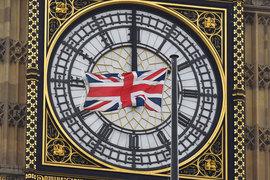 Неопределенность после решения Великобритании покинуть Евросоюз заставляет компании осторожнее оценивать перспективы своего бизнеса