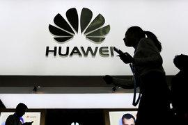 Продажи смартфонов Huawei в первом полугодии росли в 8 раз быстрее, чем общемировые