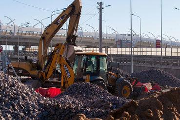 Больше трети дорог в Петербурге требуют ремонта