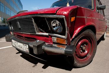 Страховщики обороняются от владельцев битых машин