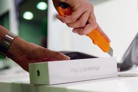 ФАС вскрыла подозрительные совпадения в ценниках на iPhone 6