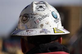 Инвесторы опасаются, что рынок не сможет принять всю новую нефть, которая должна быть добыта компаниями, возобновляющими операции в Техасе и Оклахоме