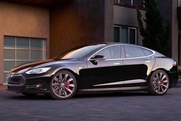Новая версия Model S с опцией дополнительного ускорения может разгонятся до 96 км/ч за 2,5 с