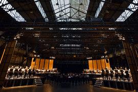 Пространственная музыка Штокхаузена заново обрела себя под сводами бывшего заводского цеха