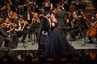 Юсиф Эйвазов и Анна Нетребко прекрасно освоились в ролях персонажей оперы Пуччини «Манон Леско»