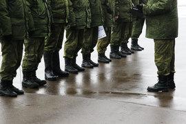 Минпромторг предлагает закупать только российские вертолеты, автомобили и форму для обороны