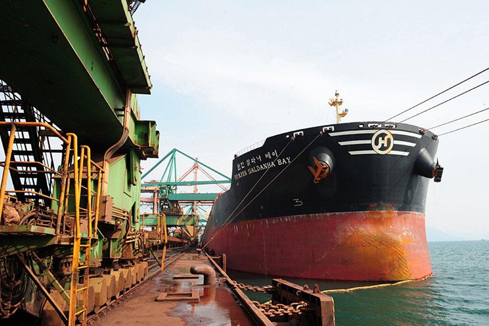 У экипажей Hanjin заканчивается продовольствие, они не могут войти в большинство портов мира и разгрузиться там