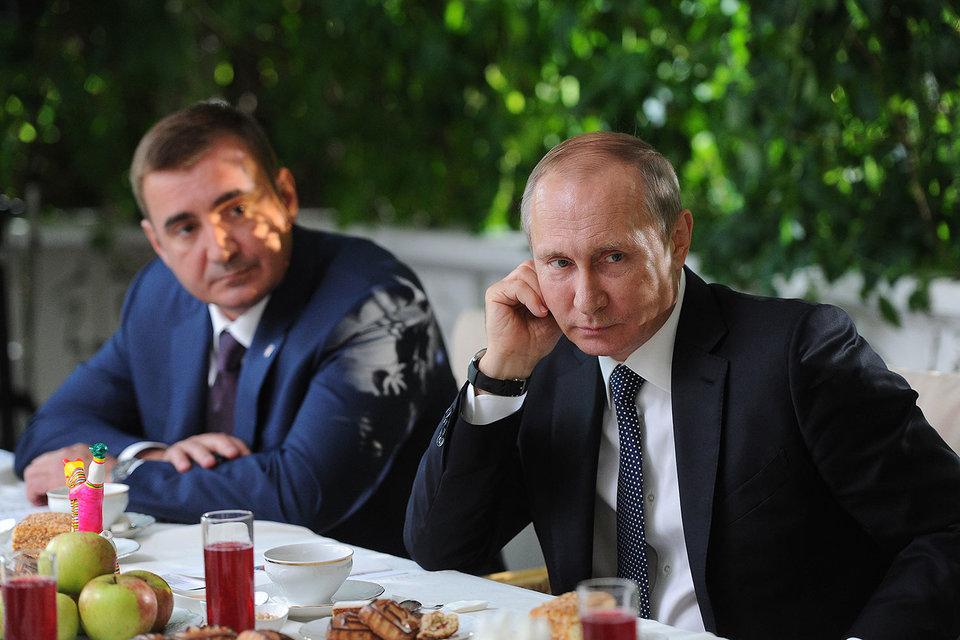 Алексей Дюмин и Владимир Путин в «Ясной Поляне»