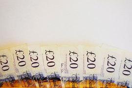 Видные британские финансисты призывают к реформам, направленным на ограничение выплат топ-менеджерам компаний