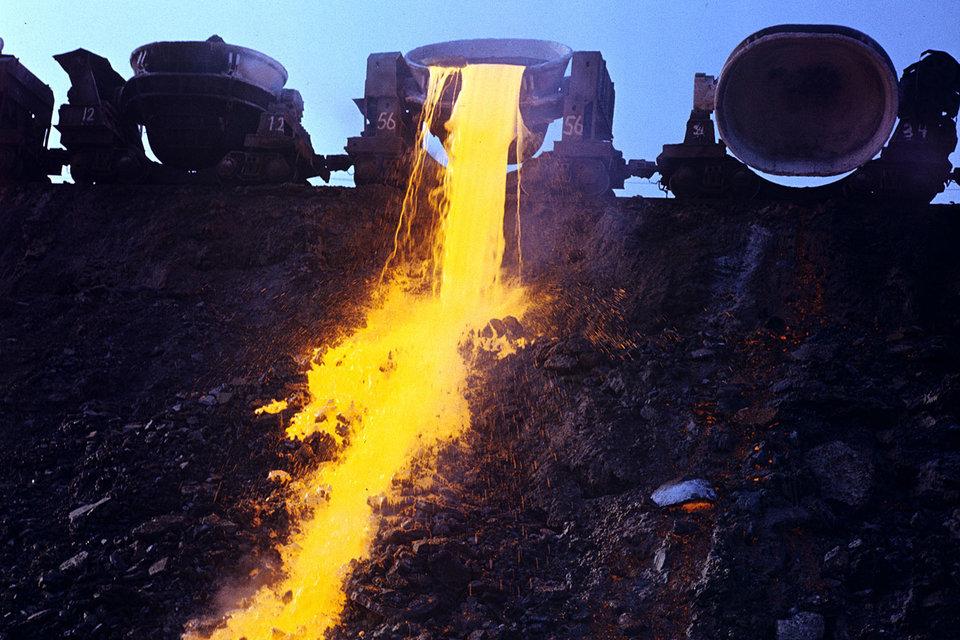 Чистый долг «Кокса» на конец 2015 г. был 52,9 млрд руб.
