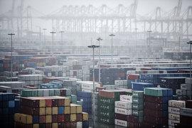 Избыток контейнерных мощностей в Китае превышает пропускную способность портов Японии, России, Южной Кореи и Тайваня вместе взятых