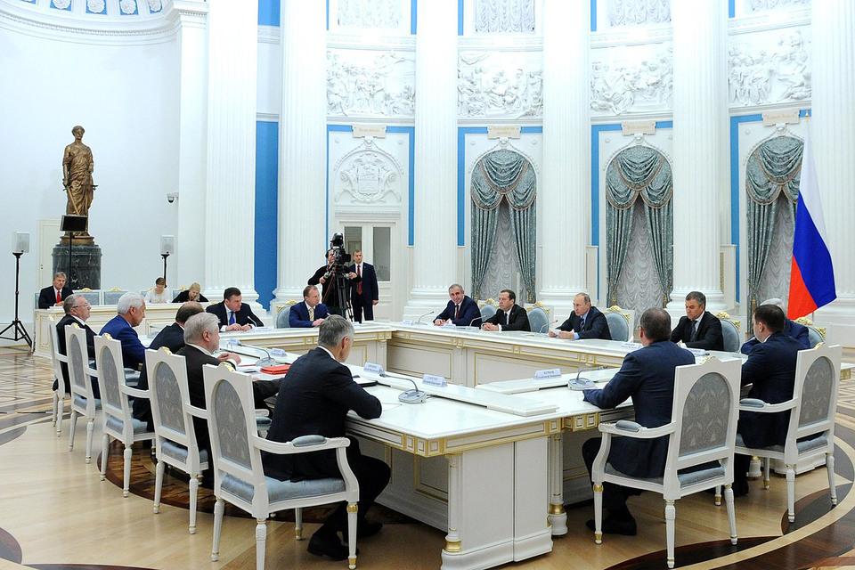 Путин предложил сохранить думские комитеты за парламентской оппозицией