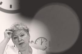 На встрече с ректорами в Самаре министр Ольга Васильева рассказала, что национальная система оценки на базе публикаций 30 ведущих российских журналов разрабатывается под руководством ректора МГУ Виктора Садовничего
