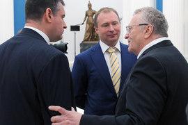 Леонид Слуцкий (слева) добавит российской внешней политике идей лидера ЛДПР Владимира Жириновского (справа)