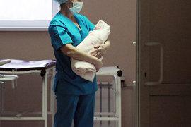 В пояснительной записке к проекту сказано, что беби-бокс создает иллюзию «легкого гуманного решения проблемы», влечет рост числа отказов от новорожденных, значительно повышает риски торговли детьми