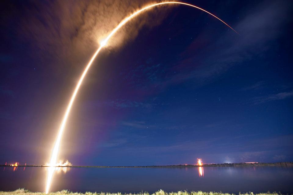 SpaceX готова перевезти наМарс млн. человек
