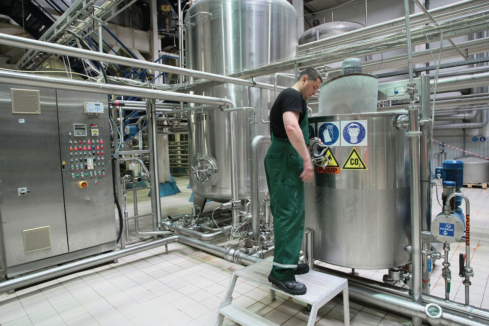 С 2009 г. крупнейшие пивоваренные компании закрыли в России 11 заводов
