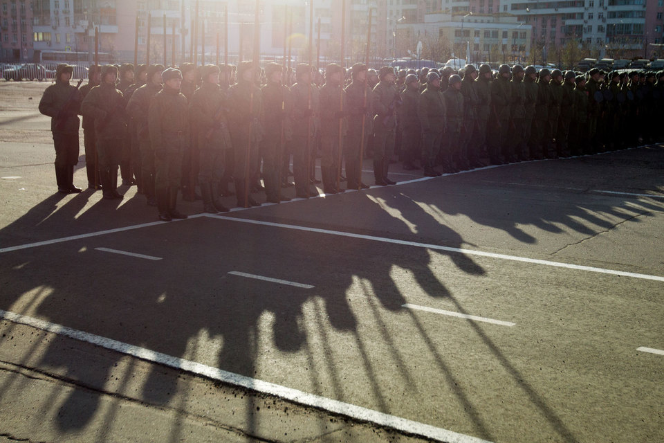 Для службы в армии в целях участия в операциях по борьбе с терроризмом, в том числе за рубежом, можно будет заключать краткосрочные контракты