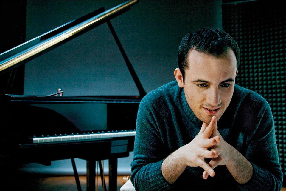 Пианист Игорь Левит