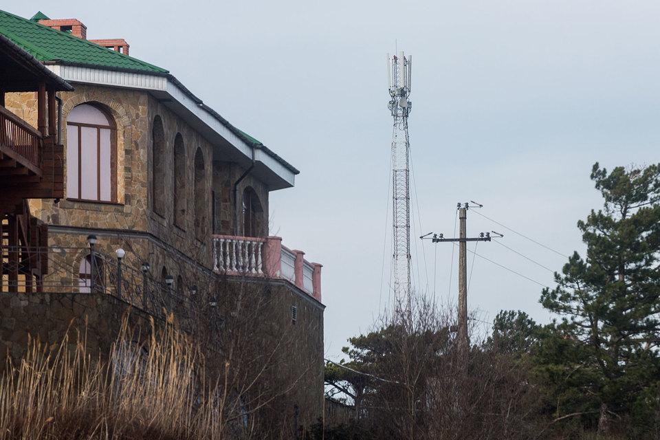 В Крыму сейчас работает оборудование только местных операторов связи