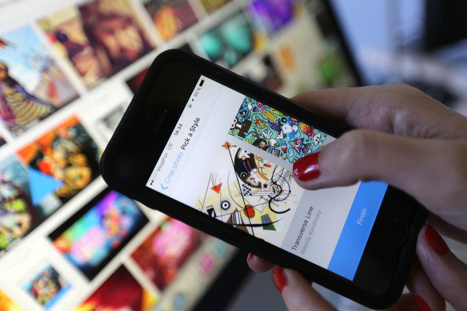 Вмобильном дополнении Prisma возникла функция обработки видео