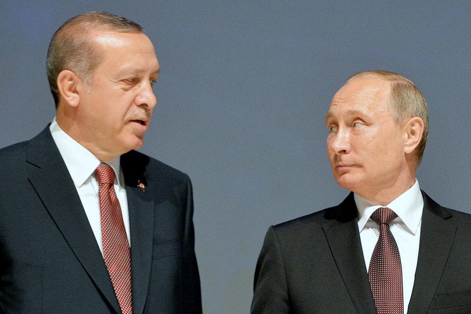 Перед этим проект обсудили президенты Владимир Путин и Реджеп Тайип Эрдоган, встретившись за закрытыми дверями после специальной сессии 23-го Мирового энергетического конгресса в Стамбуле